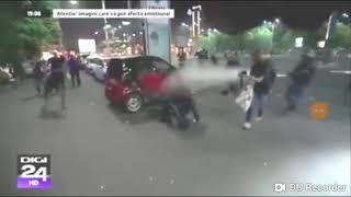 Jandarmi prosti, incapabili,se bat intre ei la protestul din 10 August 2018