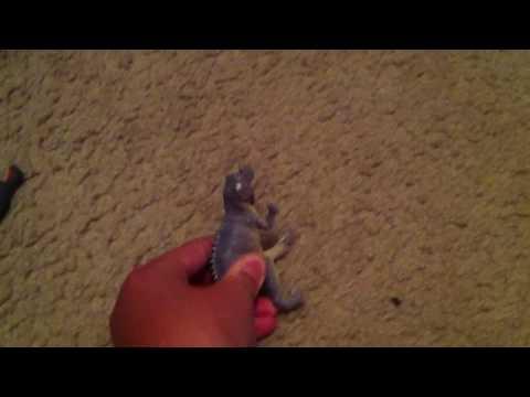 Horned dinosaur vs tricartops