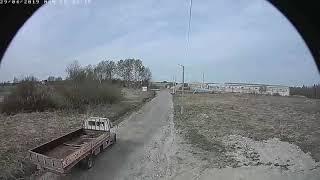 Смотреть видео В Санкт-Петербурге мужик на газели зачем-то поджег поле и уехал. онлайн