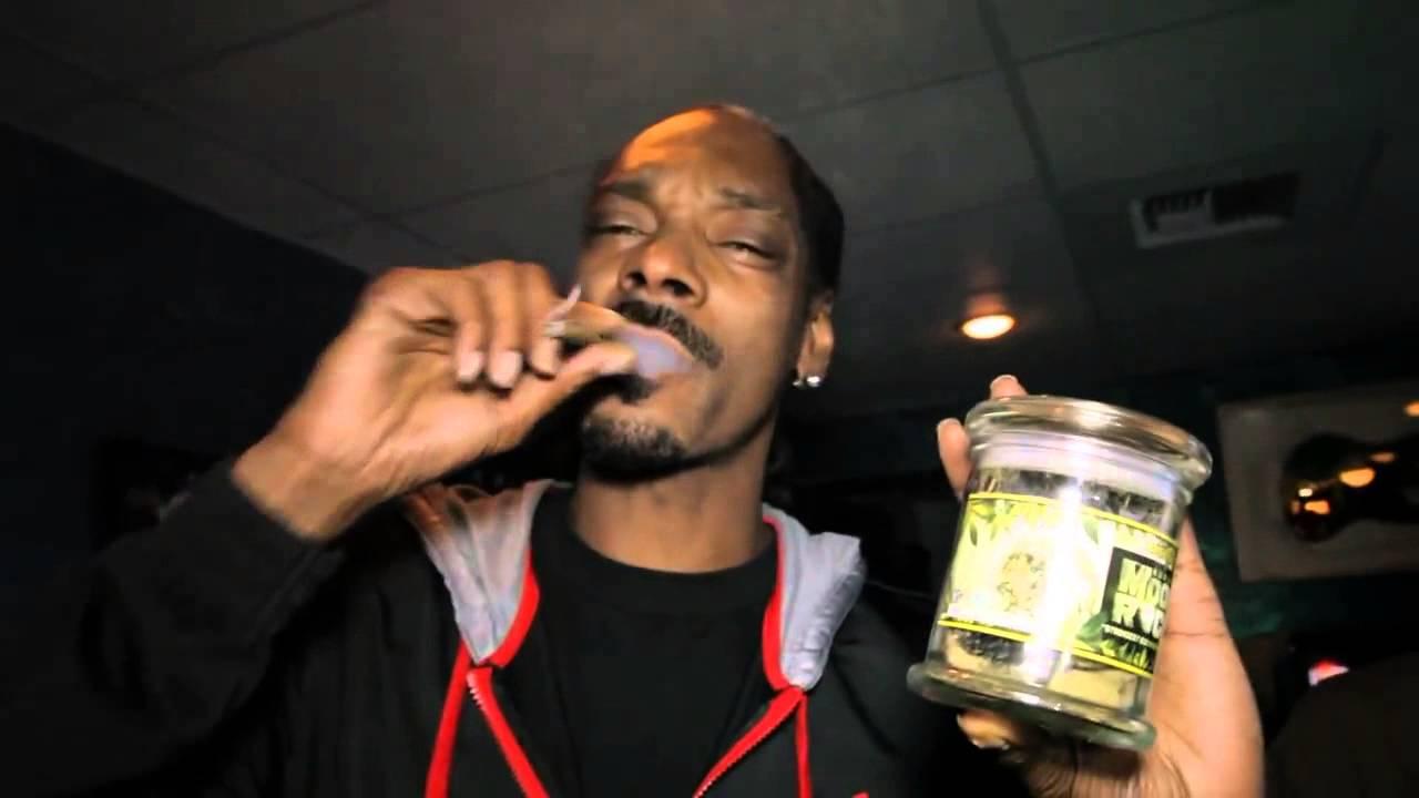 Snoop Dogg Smoking Kurupts MoonRock Strongest Marijuana Strain!
