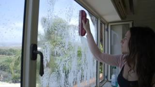 The Glider magnetic window cleaner User Manual