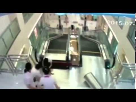 Video Mujer Muere Atrapada En Escaleras Electricas Pero