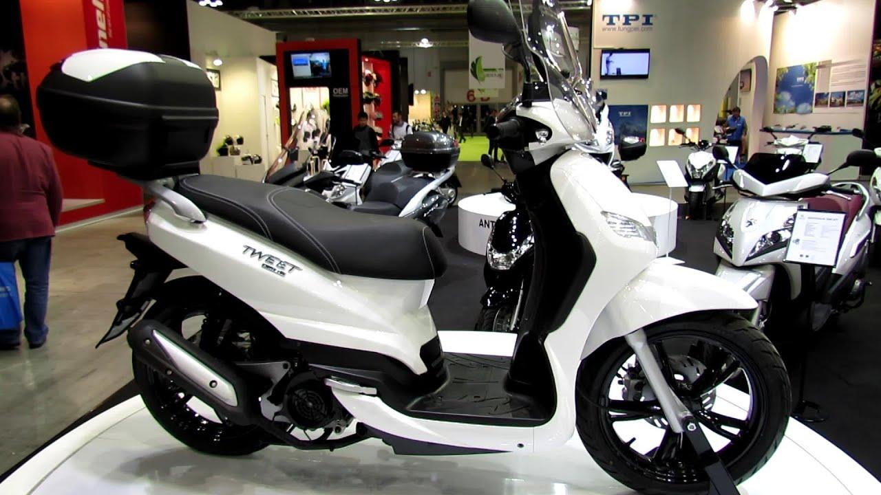 2014 peugeot tweet scooter walkaround 2013 eicma milano motorcycle exhibition youtube. Black Bedroom Furniture Sets. Home Design Ideas