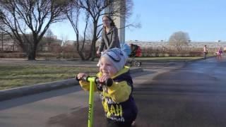 Обзор трехколесного самоката для детей 2-3 лет - Razor T3