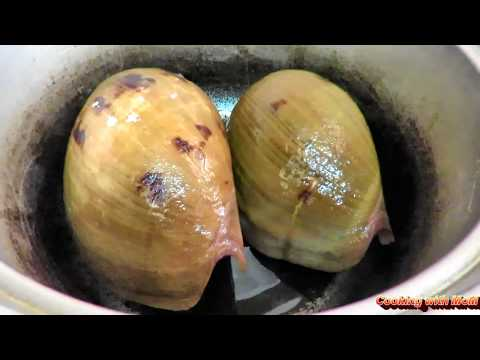 How to remove the sea snail from the conch shell // How to clean Conch / How to cut the conch