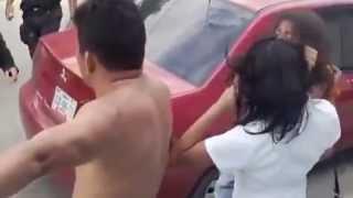 Repeat youtube video Esto es una pelea de familia en campeche en México