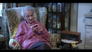 هاتف محمول بسيط لكبار السن وذوي الاحتياجات