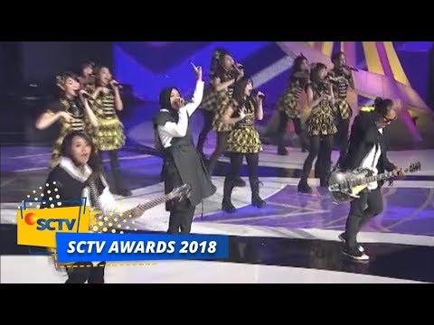 Kolaborasi GOKIL!  Kotak dan JKT48 - Heavy Rotation | SCTV Awards 2018