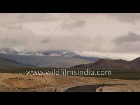 Across the Tibetan plateau: driving the vast plains of Nyalam and Saga to Mansarovar