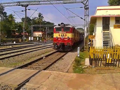 Adorable AJJ WAM4 Gurudev Express arrives Aluva