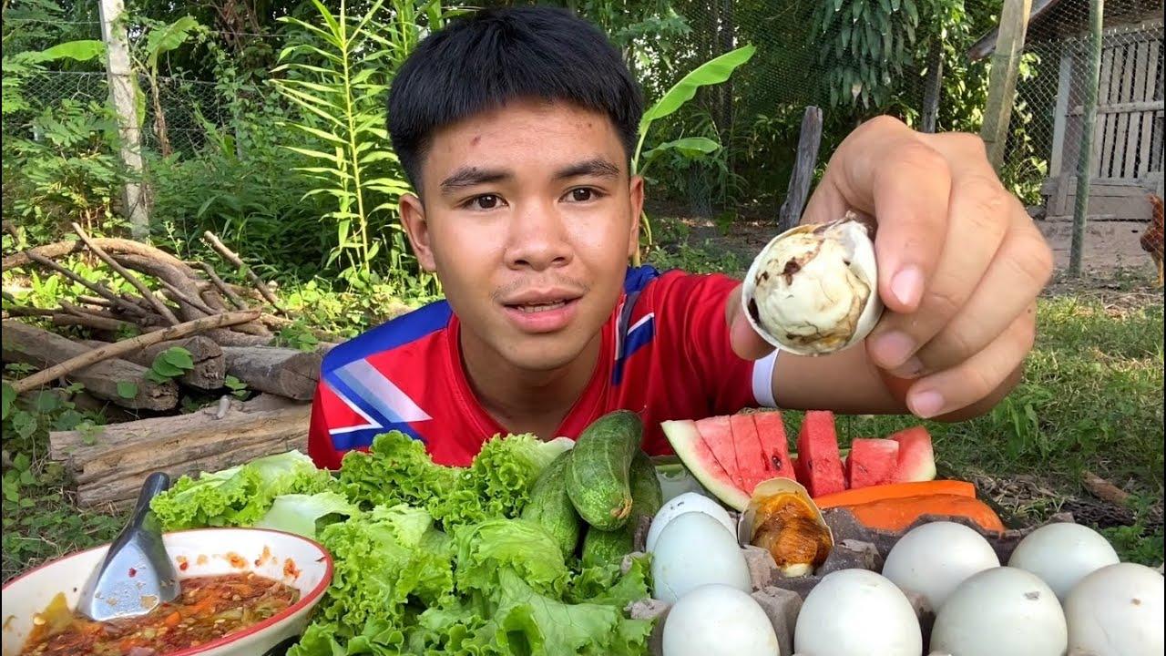 กินไข่ลูกเป็ด ไข่ฮ้างฮังเวียดนาม ครั้งแรก เกือบไม่รอด!!