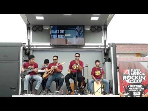 Panggung Sandiwara - God bless cover akustik by Klik band
