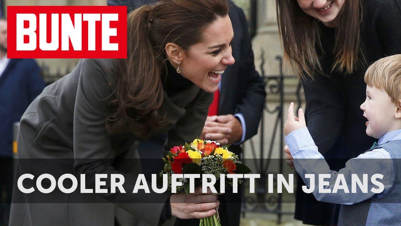 """Herzogin Kate: Cooler Auftritt in Skinny Jeans und """"Engels-Mantel"""" - BUNTE TV"""