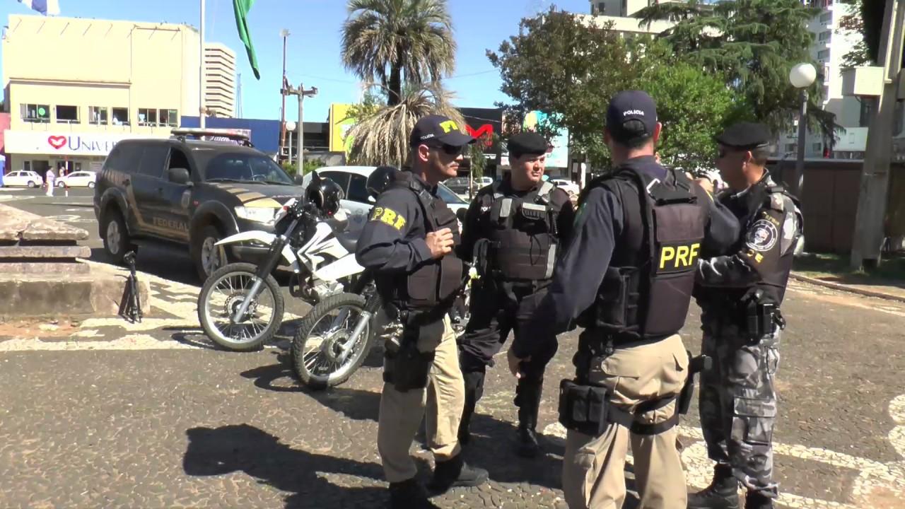 Teniente Ruisdias Policía Militar Brasil y Marco Montero Policía ...
