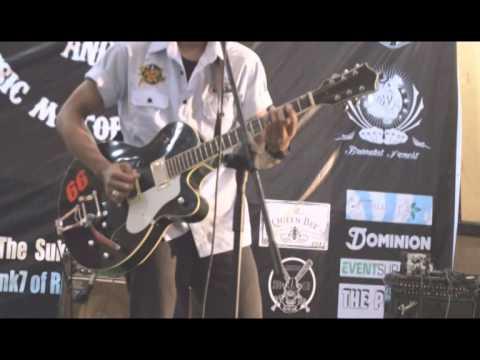Flying fortress - Surabaya (Dara puspita cover)