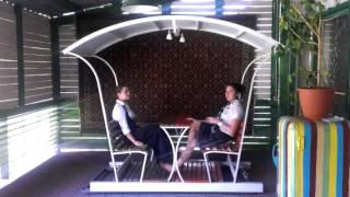 Беседка - качалка видео(Беседка на колесиках для 4-6 человек. Незаменимая вещь для отдыха в кафе, на даче или загородном доме. Сидя..., 2014-04-01T08:57:58.000Z)