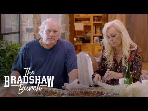 Terry Bradshaw Coins Hilarious Nickname for Daughter's BF | The Bradshaw Bunch | E!