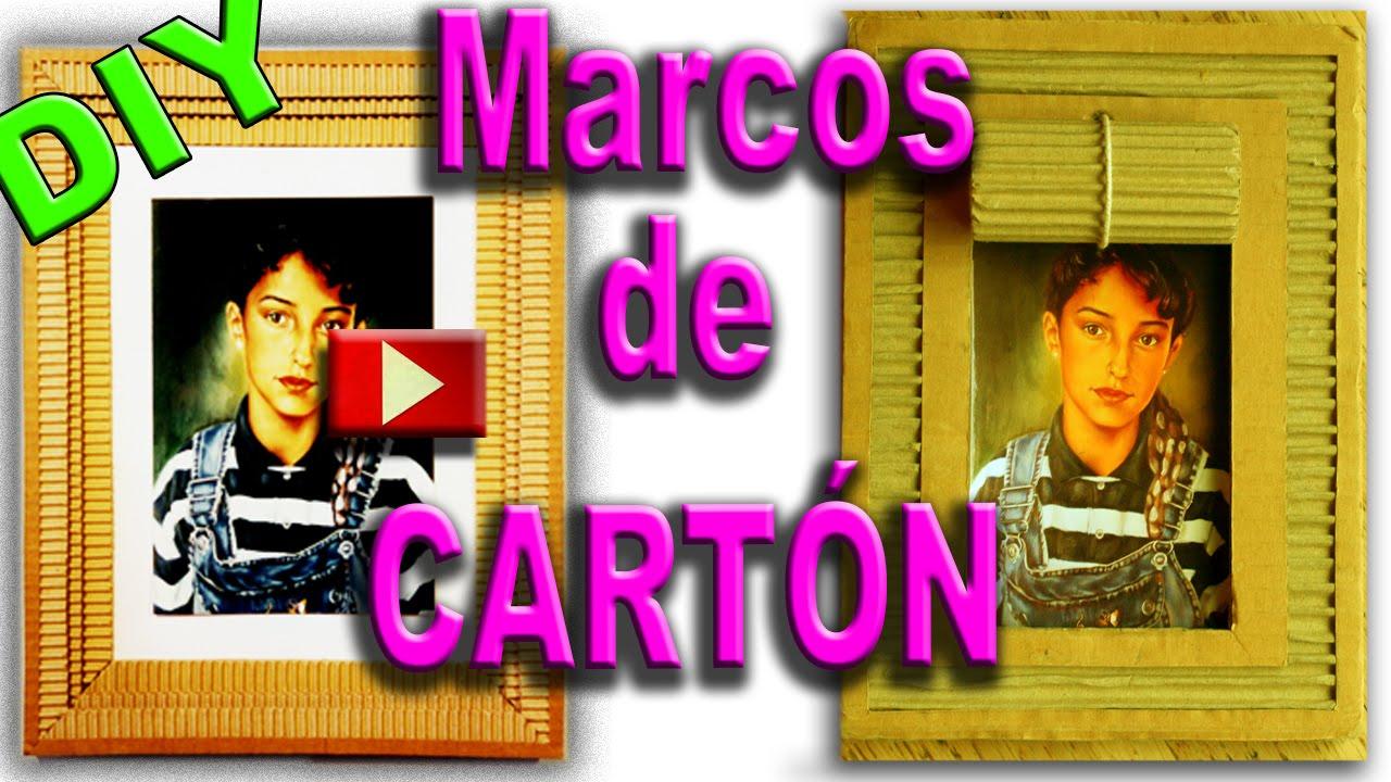 Como hacer un marco de cart n reciclaje frame with - Marcos de fotos para colgar ...