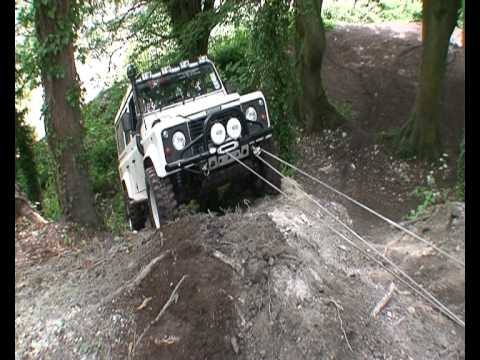 triple line and double  snatch blocks in action landrover