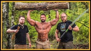 Axtwerfen mit Kevin Wolter - Bodybuilder in der Wildniss - Outdoor Bushcraft Survival
