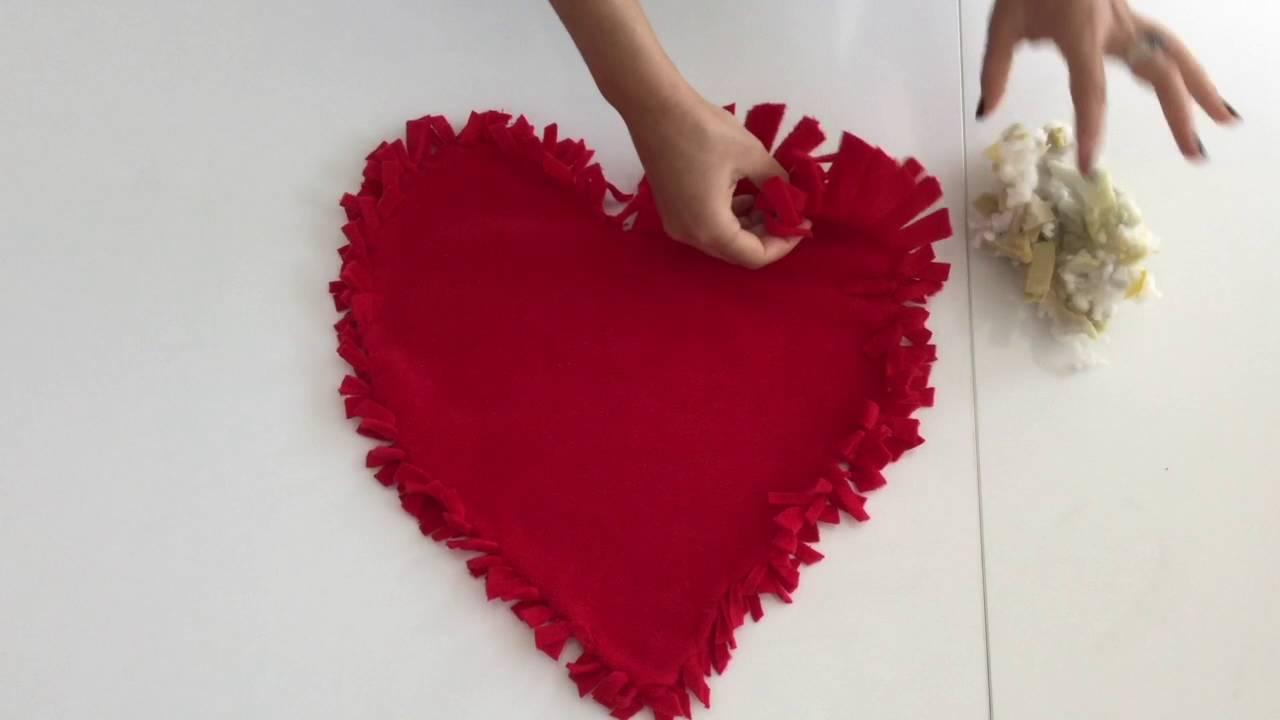 Pratik yolla kalpli yastık nasıl yapılır 66