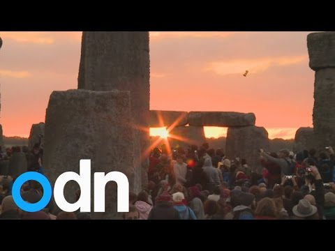 Summer solstice: Spectacular sunrise at Stonehenge