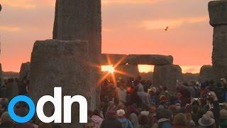 Summer solstice: Spectacular sunrise at Stonehenge