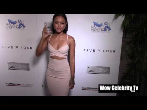 Karrueche Tran walks the Red Carpet thumbnail