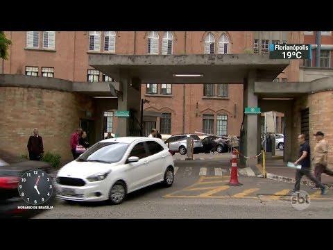 Pacientes sofrem com filas e falta de médicos na Santa Casa de SP | SBT Notícias (06/11/17)