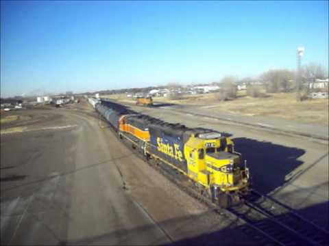 BNSF GP50 3181 & GP38-2 2285 Switching a mixed freight in Aberdeen, SD