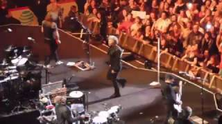 Bon Jovi - You Give Love A Bad Name (Live Chicago 2017)