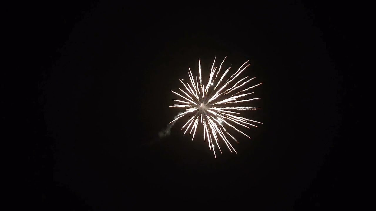 Soaring Tiger - 1.3G - 3 Piece Rocket Pack - Hallmark Fireworks
