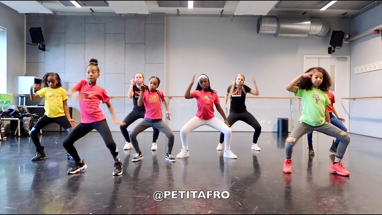 Petit Afro Presents - Afro dance || MERRY XMAS Special 2019