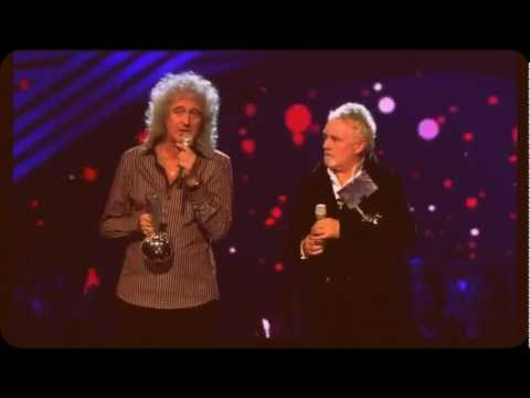 Queens accepts the Global Icon Award EMAs 2011