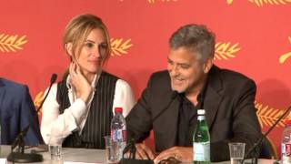 Пресконференция на Джулия Робъртс, Дж. Клуни и Дж. Фостър