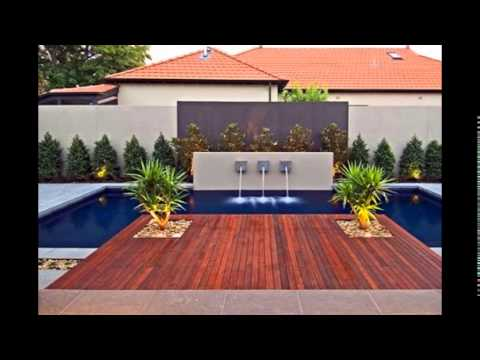 Piscinas patios y jardines youtube for Patios modernos con piscina