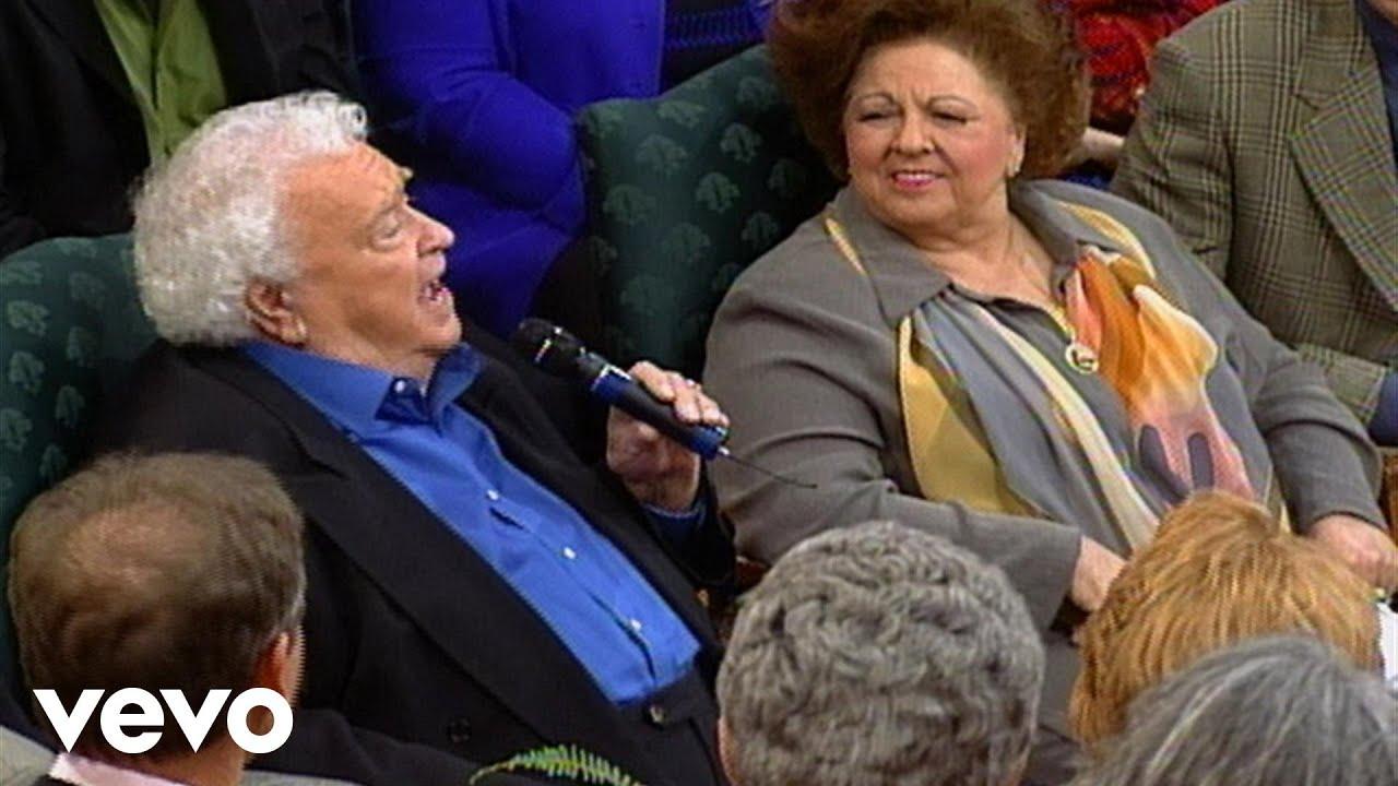 Bill & Gloria Gaither - He Set Me Free [Live] ft. Howard Goodman, Mark Trammell