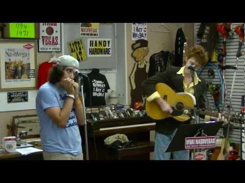 "Babe Curry And ""Grant"" Perform ""I'm Moving On"": Viva! NashVegas® Radio Show 9-1-12"