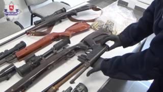 Sosnowica. 39-latek zatrzymany za posiadanie broni i trofeów myśliwskich