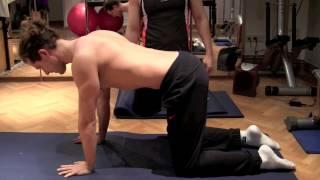 ejercicios para la espalda el gato ejercicios de pilates en casa