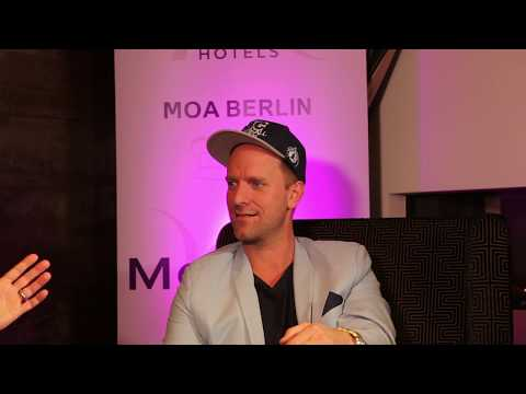 Daniel Termann Schauspieler Influencer #TOPfive - Interview Concierge Mercure MOA Berlin