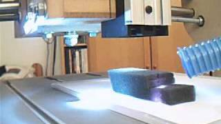 2,4 Watt Diode Laser cutting 2,5 cm thick polyester foam