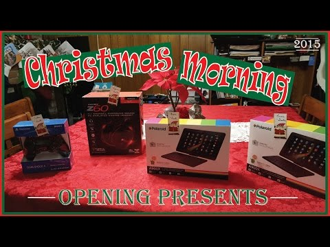 CHRISTMAS MORNING 2015  |  OPENING PRESENTS & STOCKINGS  |  RODEN KIDS