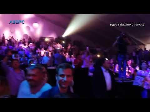 ТРК Аверс: Кому війна, а кому – «рошенівське» свято на 100 тисяч доларів
