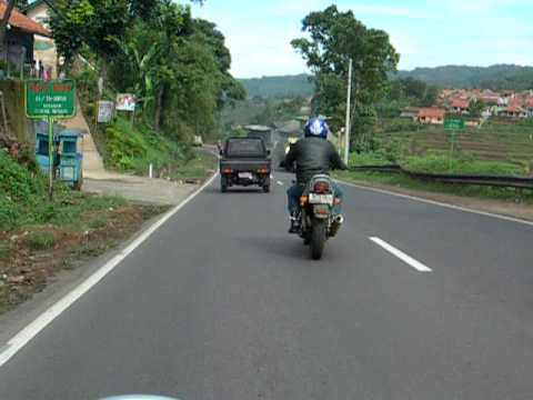 my accident with gs250 @ jln raya purwakarta 169 km 3 padalarang