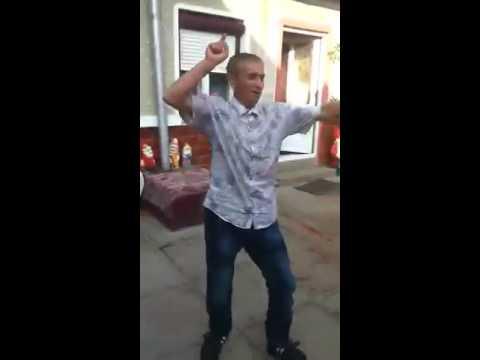 Ion Smecherul danseaza periculos :))