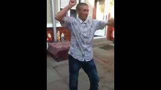Ion Smecherul danseaza periculos ))