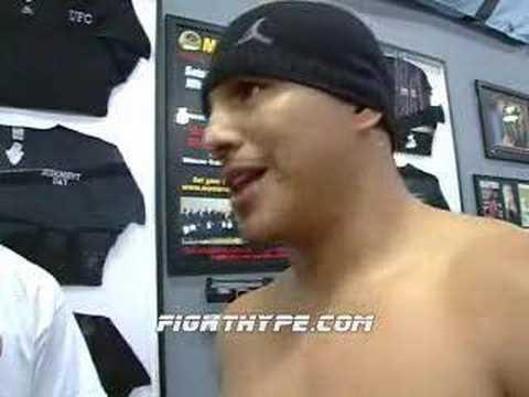 """FERNANDO VARGAS: """"SO DO I LOOK FAT?"""""""