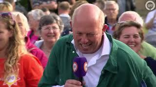 Zwier en Harry zingen de 'Zomer in Gelderland' tune