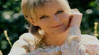 Watch Petula Clark Love Me With All Your Heart video